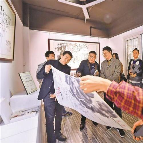 深圳特区报——纪念手枪诗五周年庆典系列活动报道